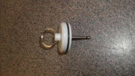 SINK PLUG WITH PIN DIAM 30MM