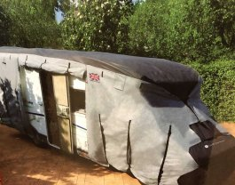 Motorhome Cover 5.7-6M Cover Crusader